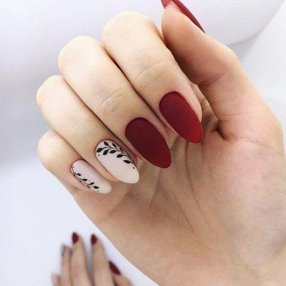 20+ Cool Tropical Leaves Nails Designs; Tropical Leaves nails; design de unhas; …