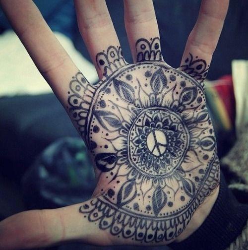 Tatouage Mandala Dans La Main Tattoo Tatouage Henne Tattoo Et