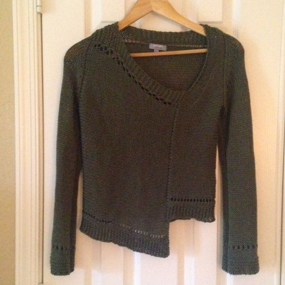 Anthropologie Olive Green Asymmetrical Sweater Very Cool Per Una Anthro Sweater, beautifully made. Asymmetrical bottom gives this an edgy look. Great look on, Made in Italy. Excellent Condition! Anthropologie Sweaters Crew & Scoop Necks