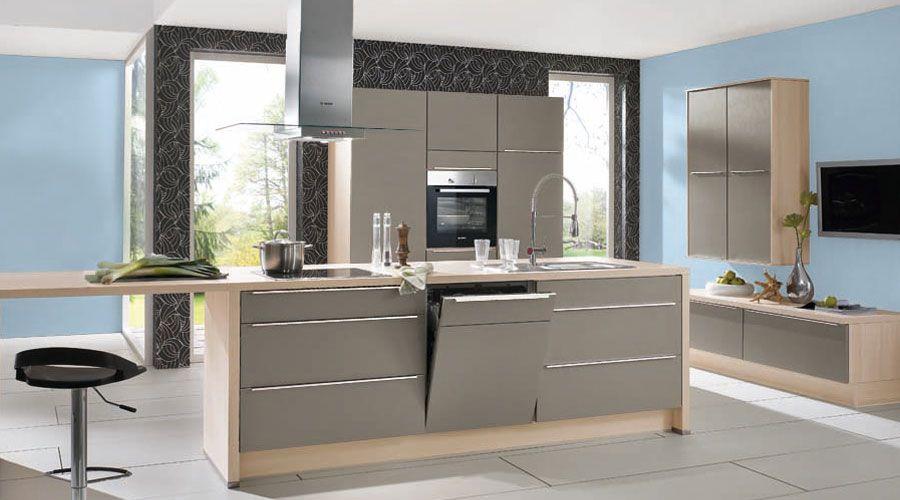 Lackierte Front in Fango matt, Küche durch die Umfeldfarbe - laminat für küchen