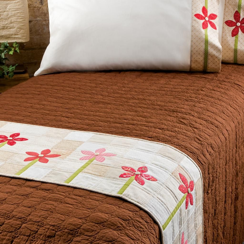 Bed Runner Patterns To Spruce Up Your Decor For Free Bed Runner Pillowcase Pattern Pillow Cases