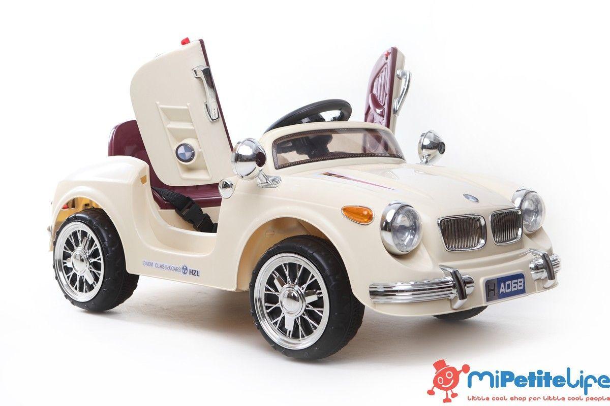 MiPetiteLife.es - Roadster Clásico Crema. ¡Un gran coche repleto de divertidas funciones! Auto con puertas de apertura. www.MiPetiteLife.es