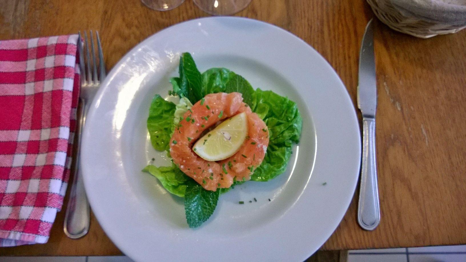 Sashimi de saumon Le Picotin Restaurant Paris 12 | Sashimi saumon, Restaurant paris 12, Sashimi