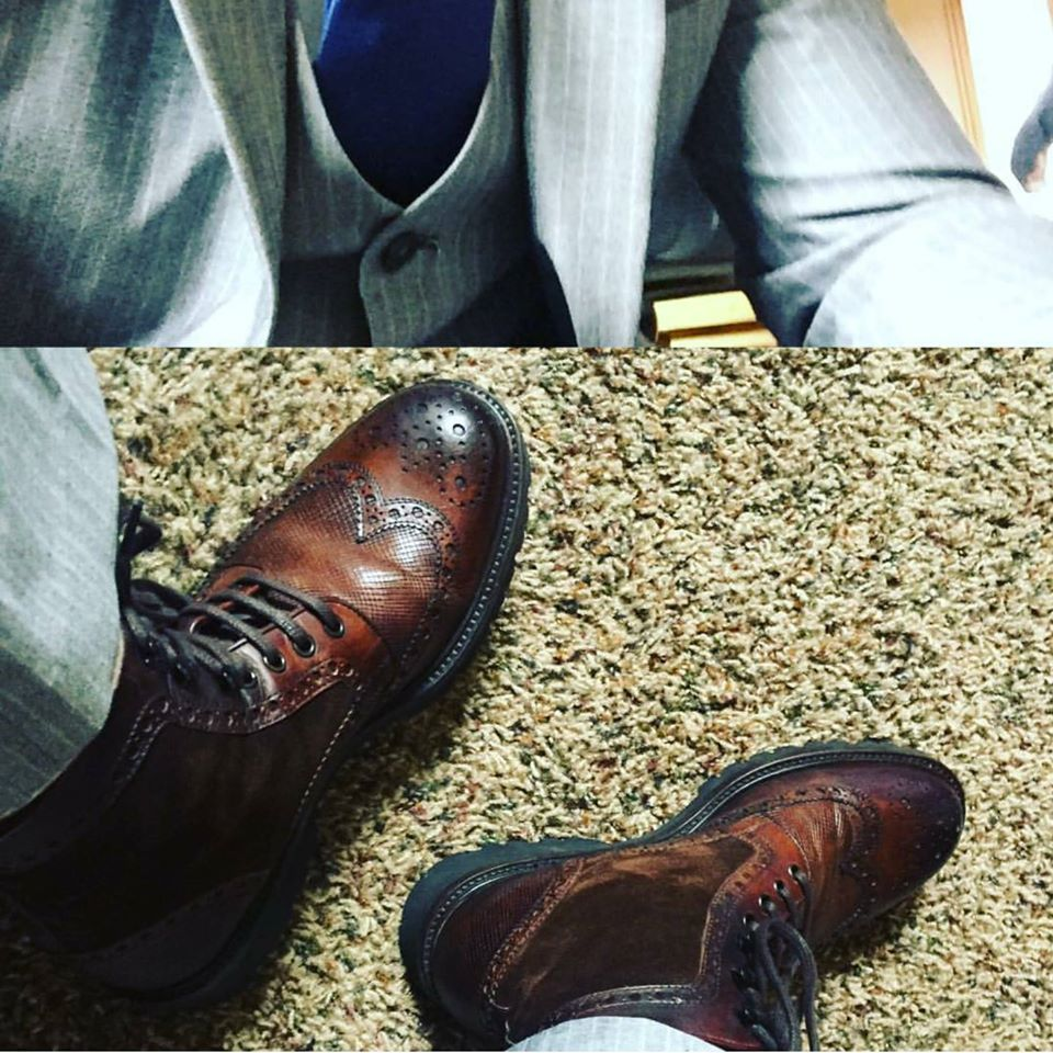 Repost from @itsamatattack proving that you can wear boots with a suit! #MyMagnanni #FallFashion #MenStyle  #Stylish