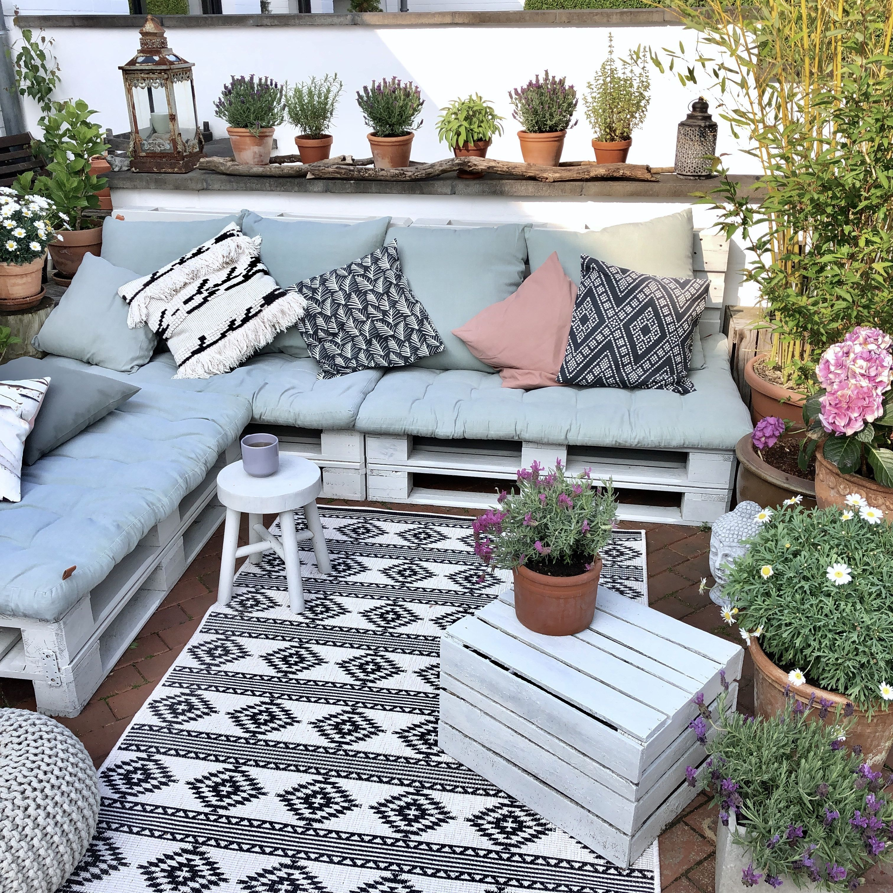 Diy palettensofa in 2020 pallet furniture outdoor