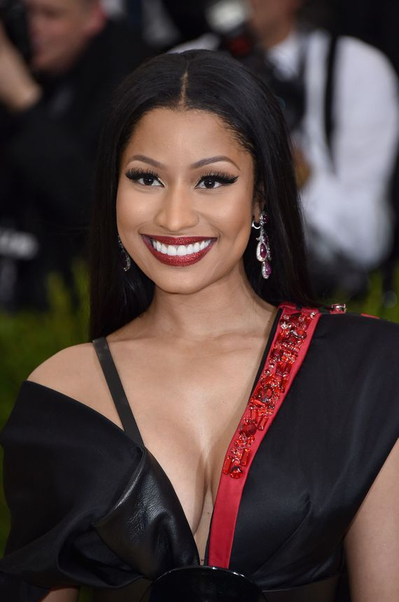 Nicki Minaj Offers To Cover College Costs For Twitter Followers Https Www