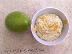 Hummus di ceci con avocado. Avocado hummus.