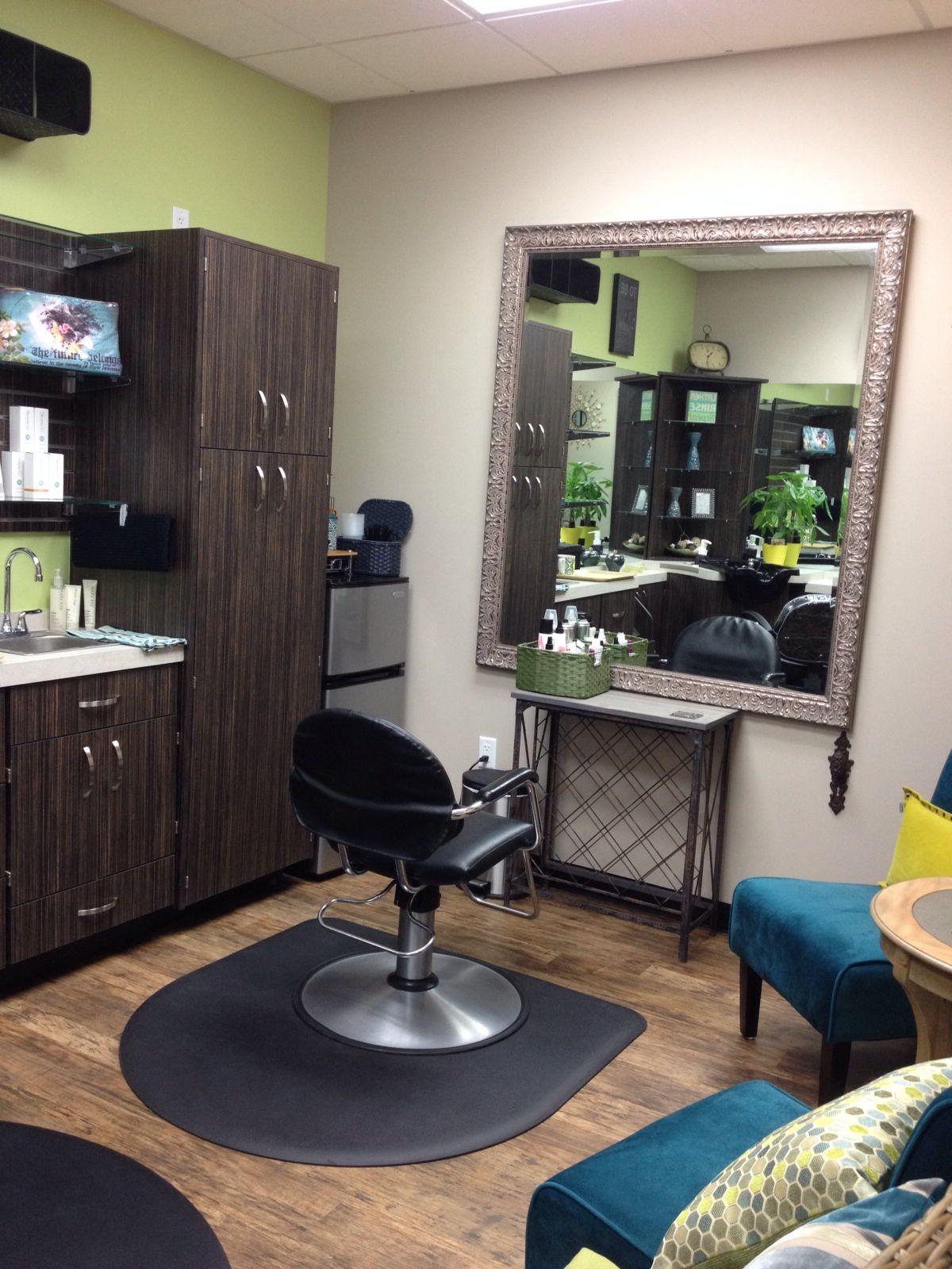 Pin By Rafael Terenci On Local Thairapy Salon Sola Salon Suites Decor Home Hair Salons Home Salon