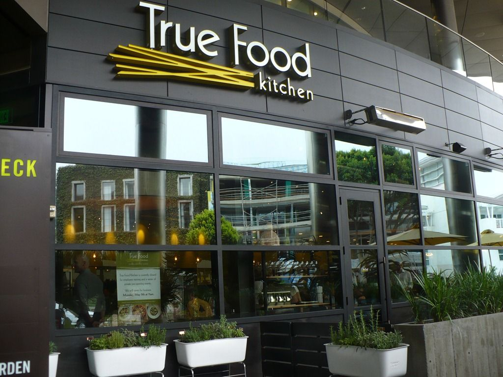 Pleasure Palate The Food At True Food Kitchen Based On Dr