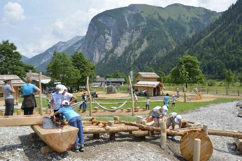 Spielschatz Engalm Spielplatz Ahornboden Karwendel Urlaub
