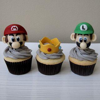 Mario Luigi And Princess Peach S Crown Cupcakes Fancy Cupcakes