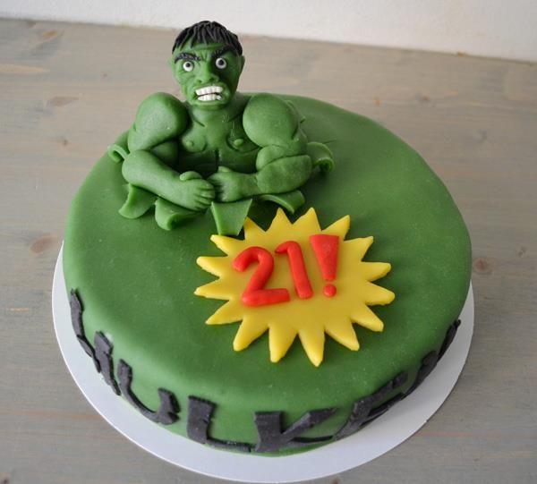 The Hulk cake!