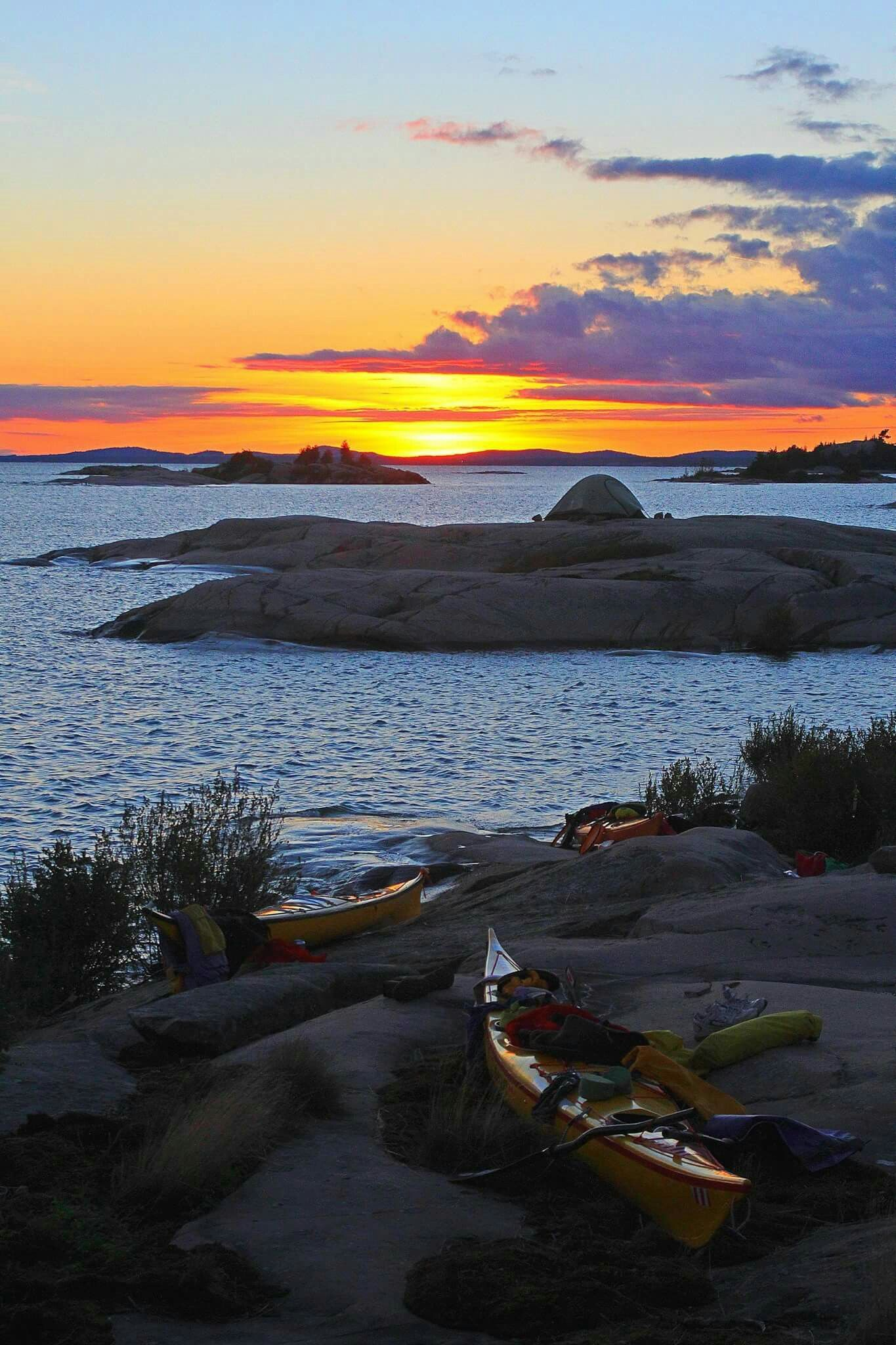 Bay ontario kayaking canoe natural beauty