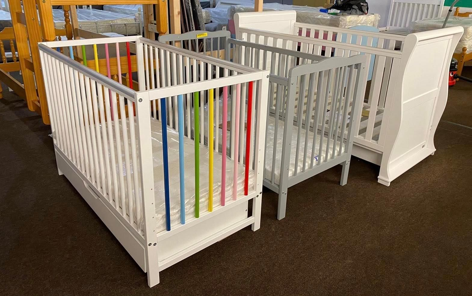 Wickford Store 4 8 Russell Gardens Essex Ss11 8qu Tel 01268 573433 Furnitureoutletstores Cot - Garden Furniture Clearance Wickford