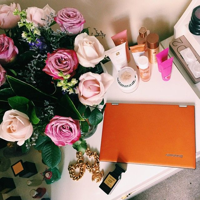 Spice up your workspace with a sassy #YOGA2Pro, Lenovo user and tattooist extraordinaire @laurenwinzer shows us her essentials #YOGAmyway #lenovo #rad #yoga #tech #laptop #pretty #flowerstagram #flower #chanel #flatlay