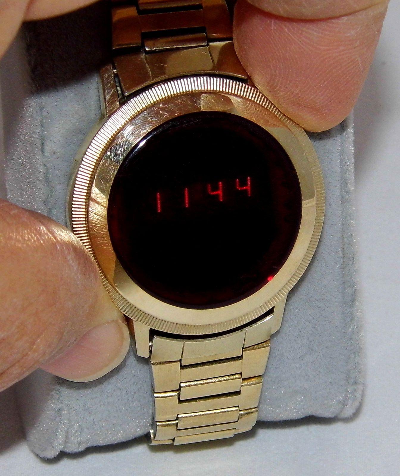 Vintage Hudson Harris Digital Quartz Men's Wrist Watch