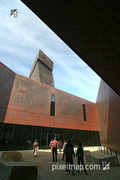 DeYoung Museum  #architecture #demeuron #herzog Pinned by www.modlar.com