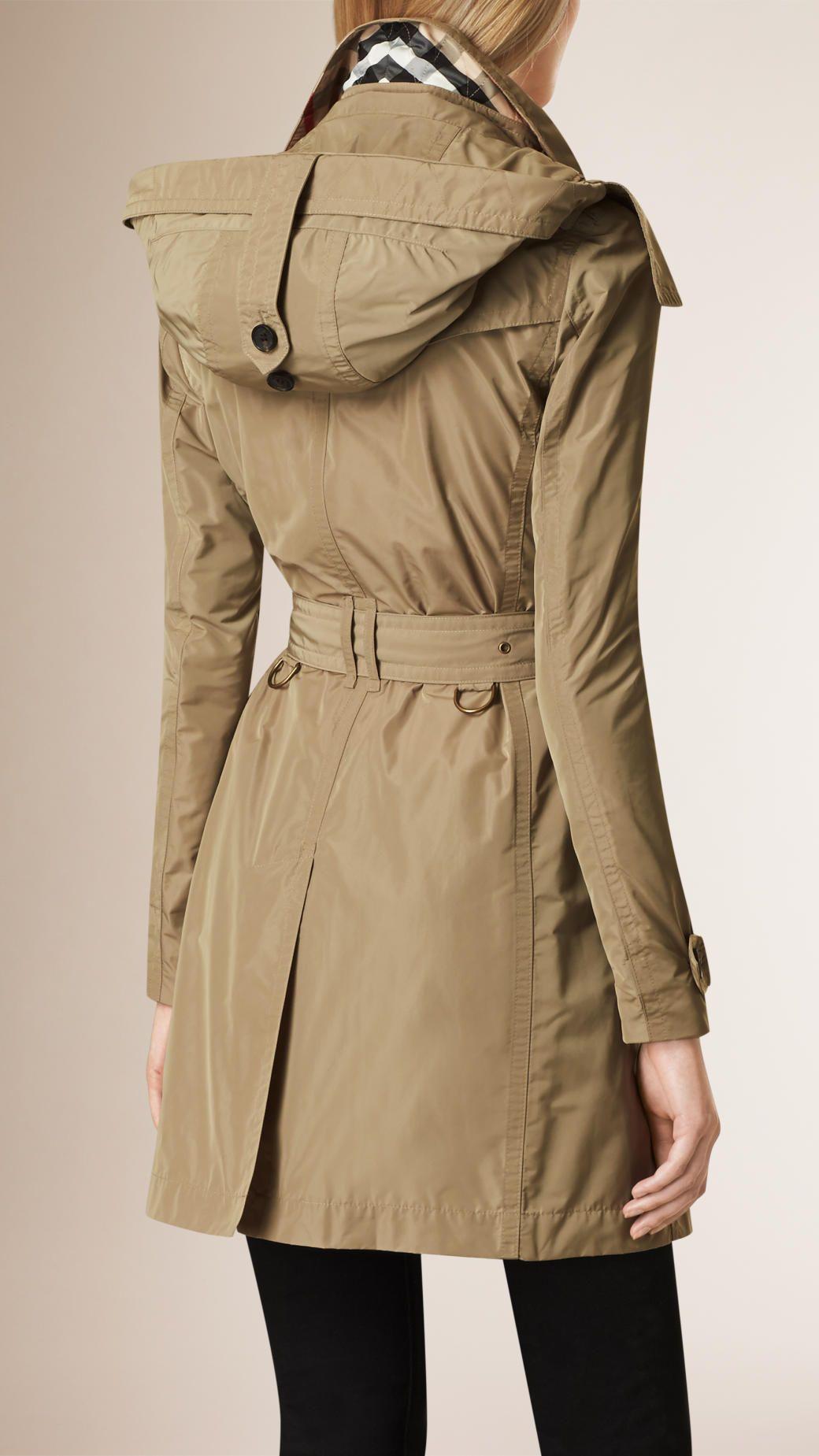 trench coat en taffetas capuche amovible sisal burberry manteaux vestes pinterest. Black Bedroom Furniture Sets. Home Design Ideas