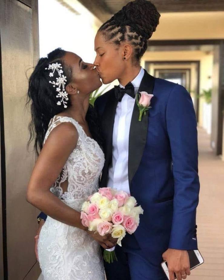 Shortage Of Men In Zimbabwe Leads Two Women Marrying Each Other Photos Tatahfonewsarena Lesbian Bride Wedding Dress Lesbian Lesbian Wedding