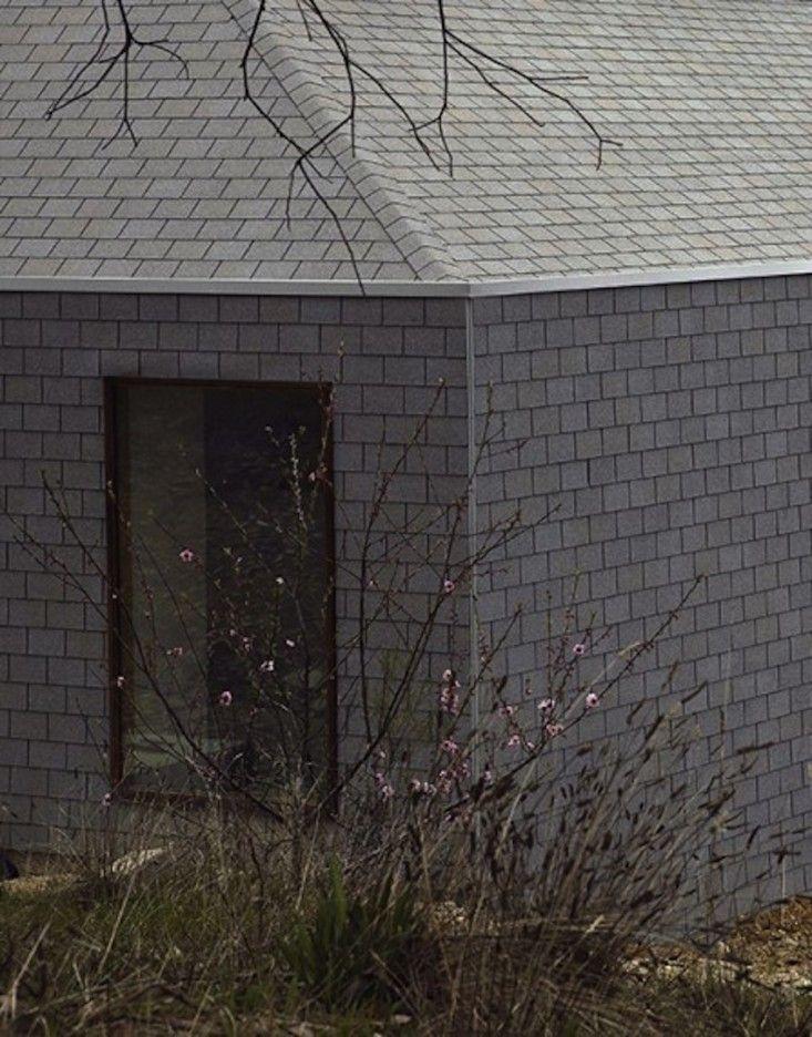 Hardscaping 101 Asphalt Roof Shingles Gardenista Asphalt Roof Shingles Roof Shingles Asphalt Roof