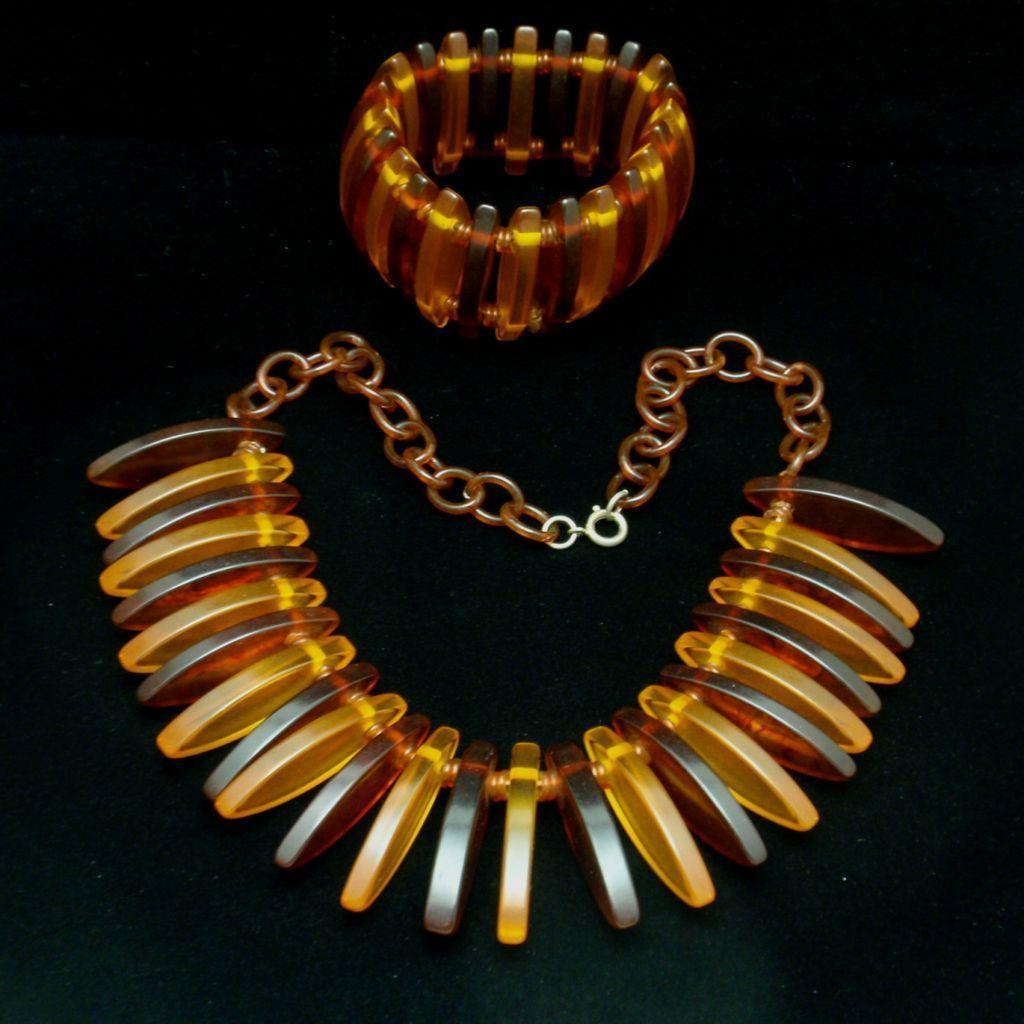 Bakelite Set Vintage Necklace Bracelet Two-Color Excellent Condition
