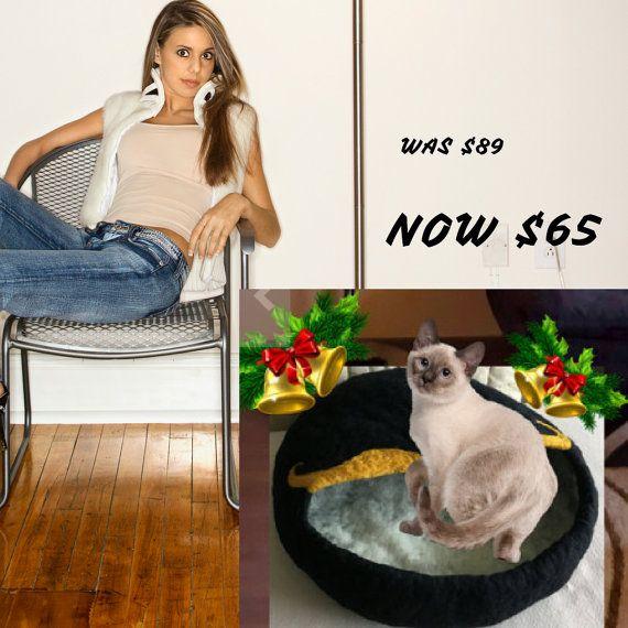 CAT CAVE Black Fibre Art Wool Cat Bed/ House/ by FELTBYNARELLE