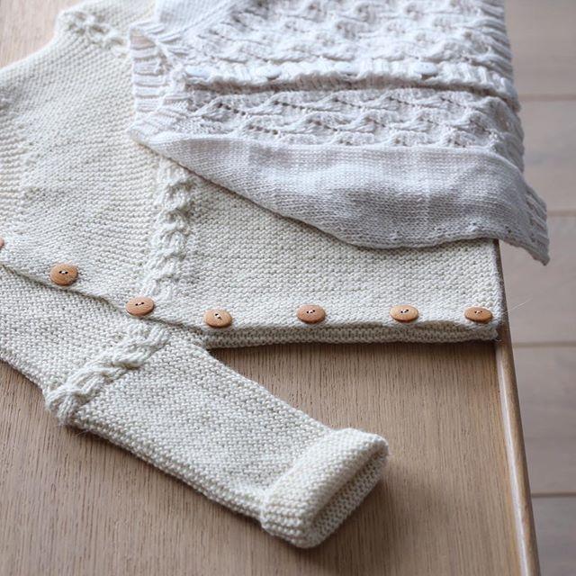 "Photo of PandA on Instagram: ""Two knit jackets ready for Norwegian summer. #side-length knit jacket # fauna jacket #paelas # knitting #knitting #instaknit # knitstagram… """