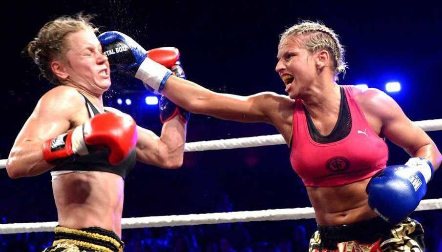 Womens boxing match | Women boxing, Women, Sports bra