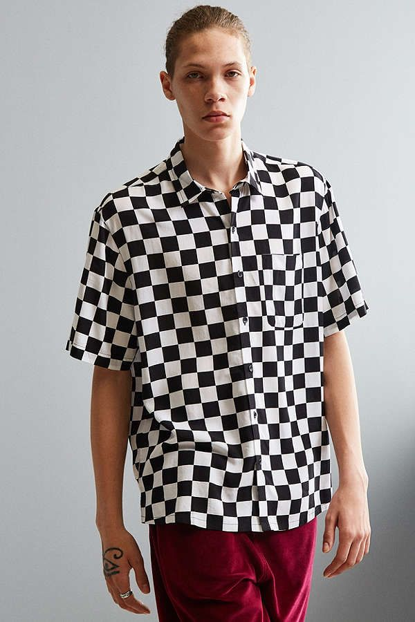 Slide View: 1: UO Checkered Rayon Short Sleeve Button-Down Shirt ...