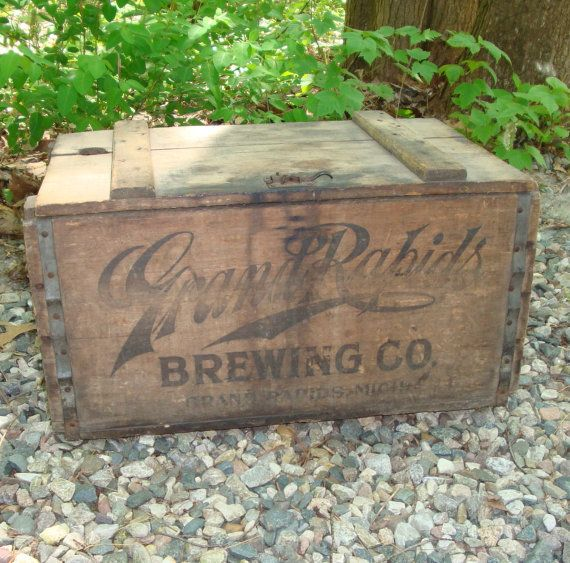 Antique Grand Rapids Brewing Company Bottle Crate