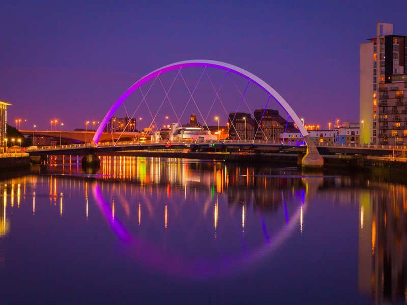 Glasgow  is de grootste stad van Schotland..