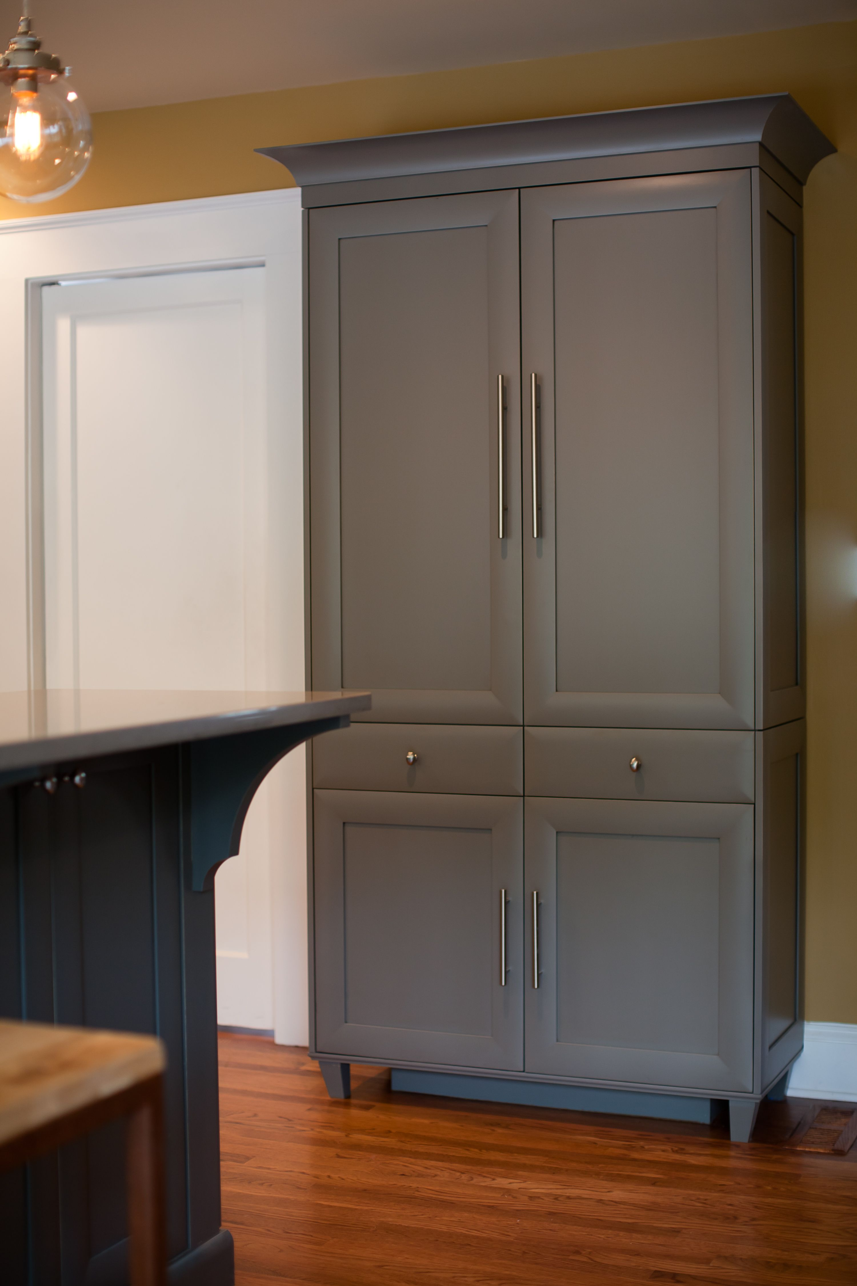 Palo Alto Door Style Finished In A Custom Paint Sherwin Williams 7061 Night Owl On Maple Design Grey Painted Kitchen Grey Cupboards Kitchen Cabinet Colors