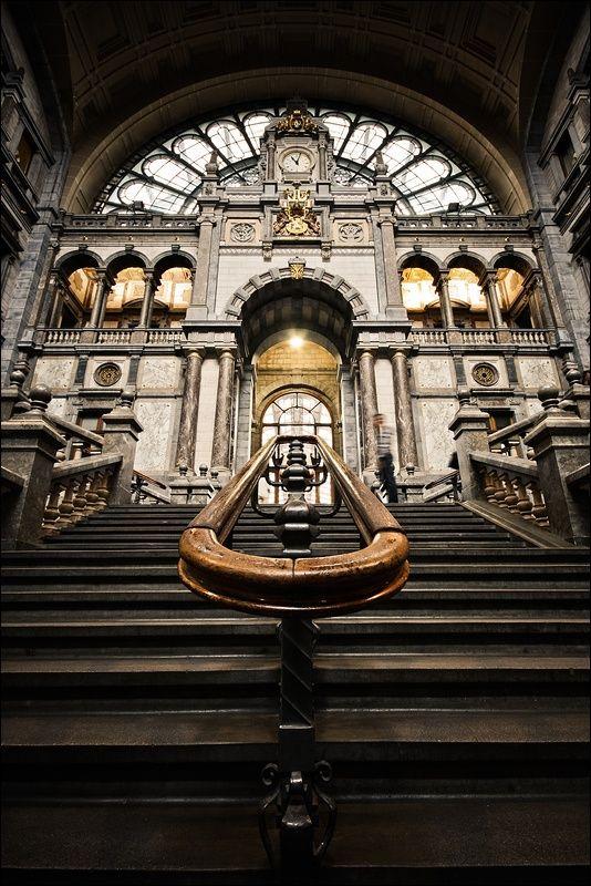 Antwerpen Is Een Stad Met Veel Mooie Gebouwen Die Je Niet Wil Missen Het Centraal Station Is Hier Zeker Een Van Daar Zijn Veel Me Belgien Antwerpen Alter Zug