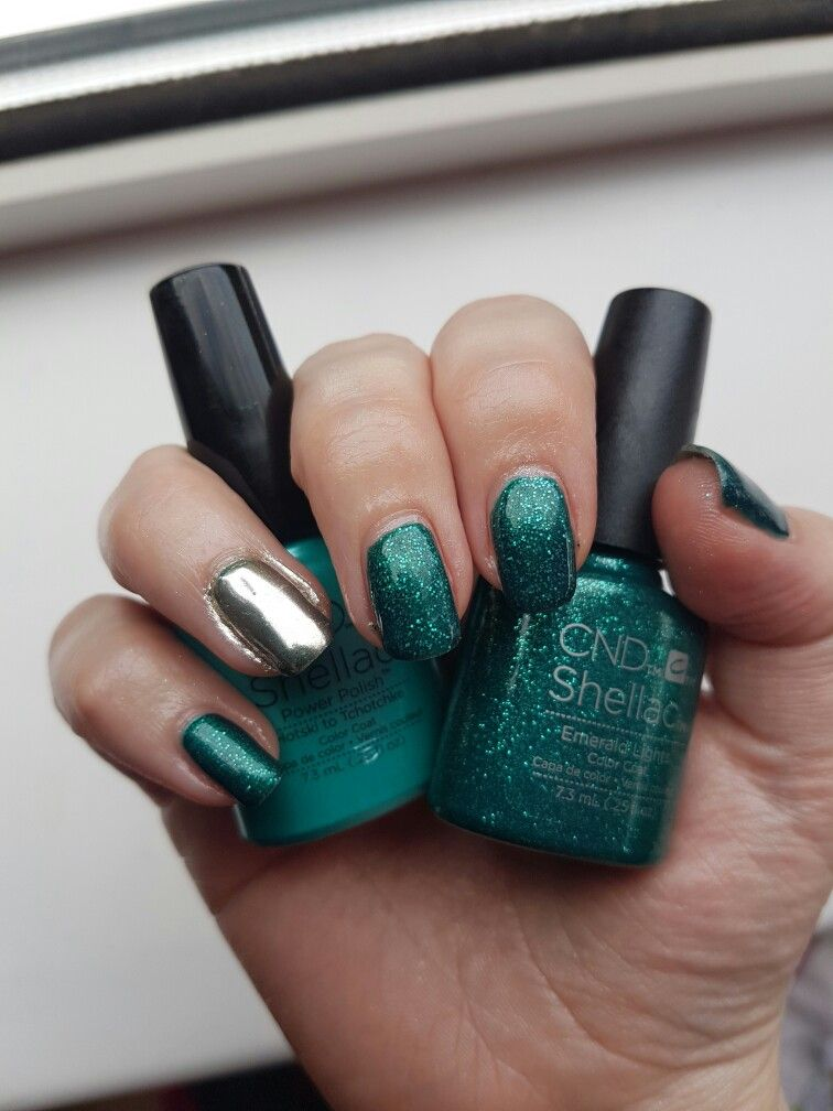 Cnd Shellac Hotski To Tchotchke Layered With Emerald Lights And Chrome Mirror Ring Finger