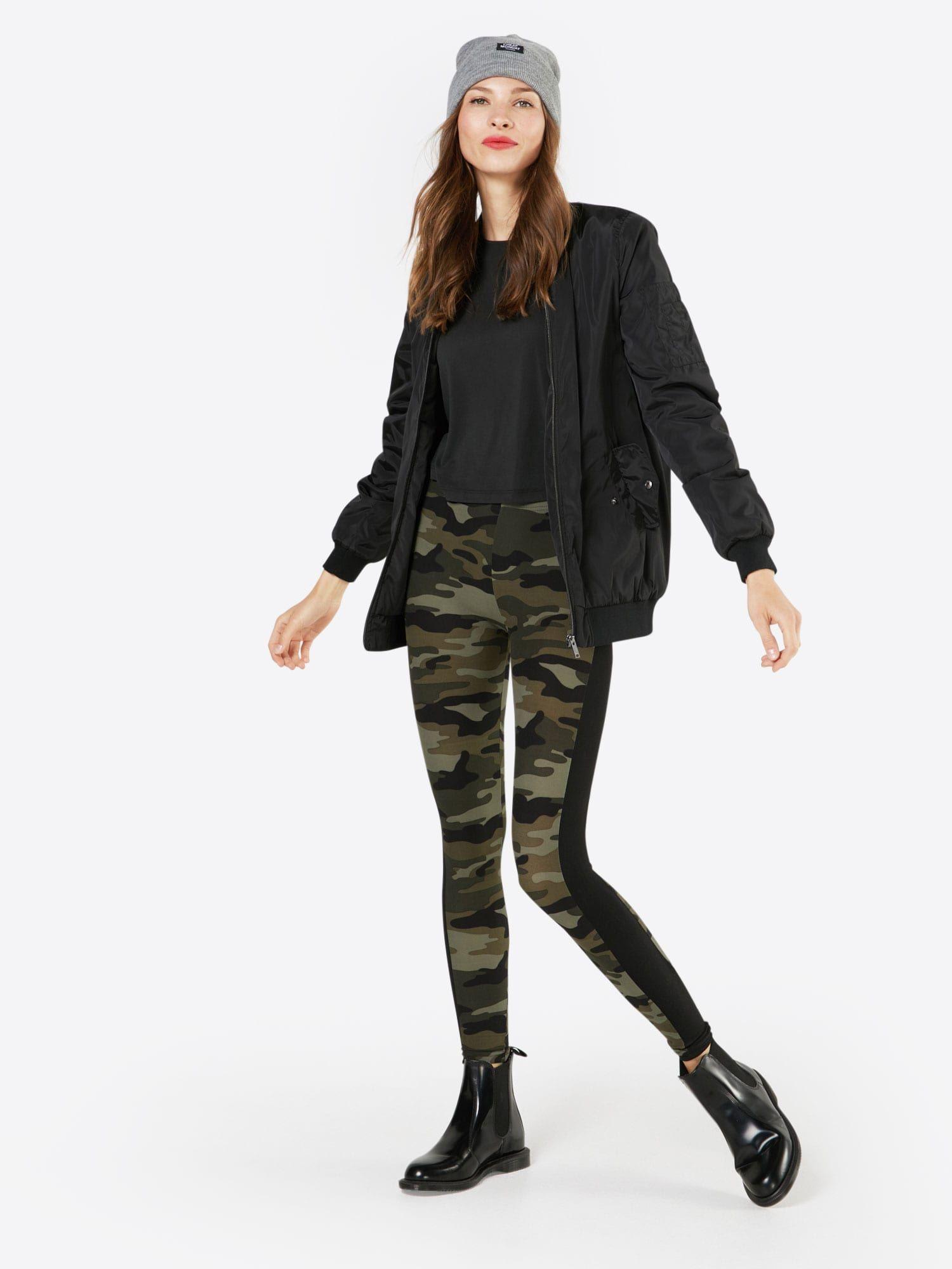 Urban Classics Leggings 'Camo Stripe' Damen, Grün / Schwarz, Größe XXXL #stripedleggings