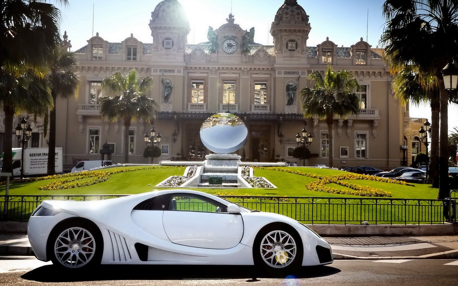 White Koenigsegg Supercar Hd Wallpaper The Wallpaper Database