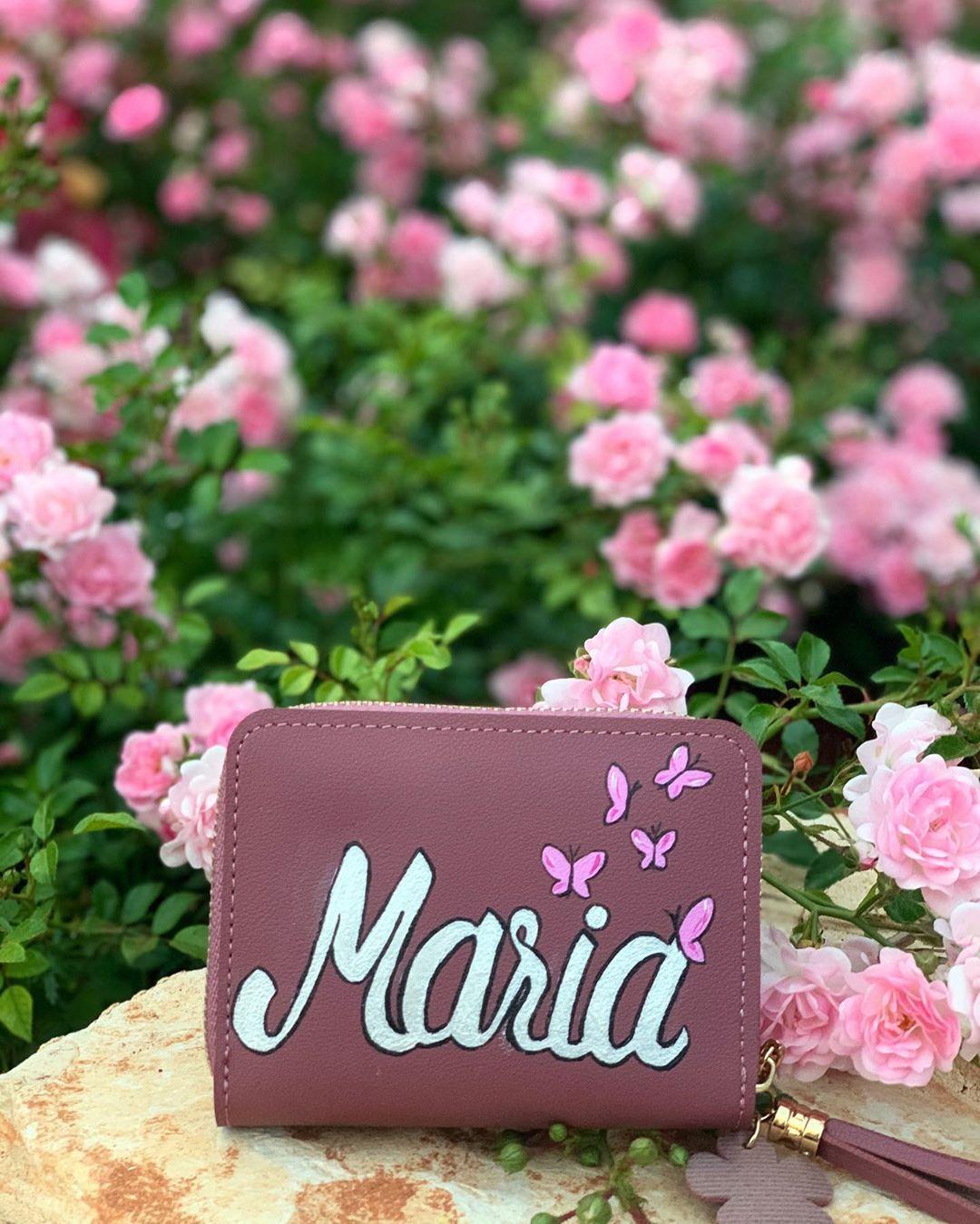 هدية لطيفة لبنوت لطيفة ماريا اسماء فراشة ورود تخطيط فن رسم رسوم الوان مشغل وداد حديقة Painted Clothes Hand Painted Cards