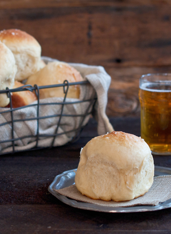 Use BEER to make amazing Dinner Rolls #recipe | Breads ... - photo#35