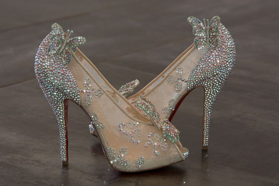 Pin By Alanis Postol On Shoes Or Shoos Cinderella Shoes Cinderella Wedding Shoes Christian Louboutin Wedding Shoes