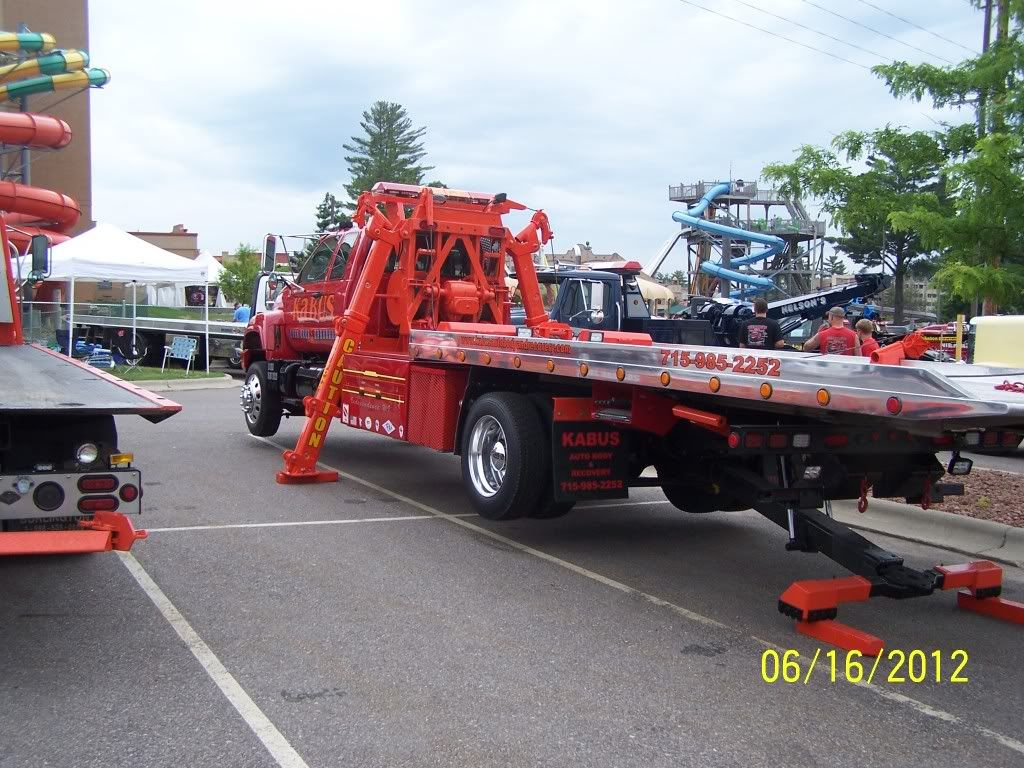 Wisconsin Tow Show 2012 Towing and