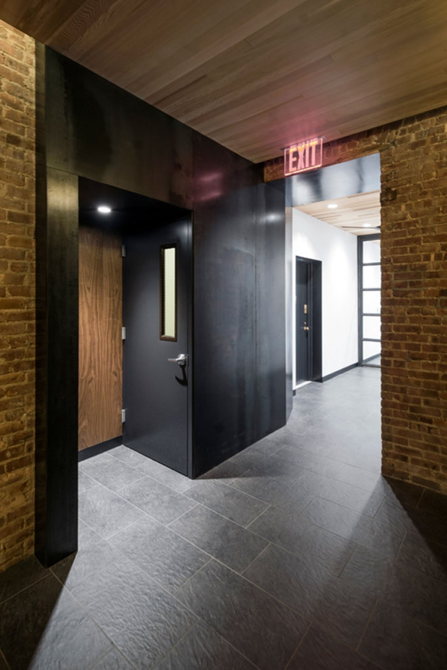 Res4 Modern Lobby Design For A Residential Apartment Building In Brooklyn Heights Nyc Mixes Exposed Bri Modern Renovation Basement Apartment Decor Lobby Design