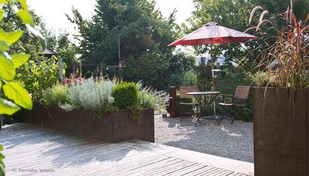 Moderner landhausgarten garten pinterest for Gartengestaltung cortenstahl