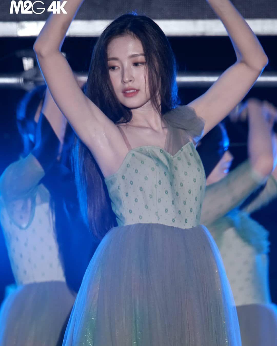 Kpop Pitsさんはinstagramを利用しています Sweaty Armpits Of Arin Of Oh My Girl Arin Omg Ohmygirl Miracle Ohmygirlarin Kpoparmpit Kpoparmpits Armpits Armpit