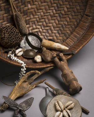 """Divination Lecture: """"Silent Voices of African Divination Systems"""" - Umbundu witch doctor's basket, Benquilla, Angola."""