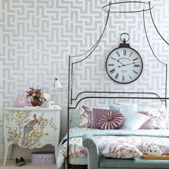 Elegant vintage-style bedroom