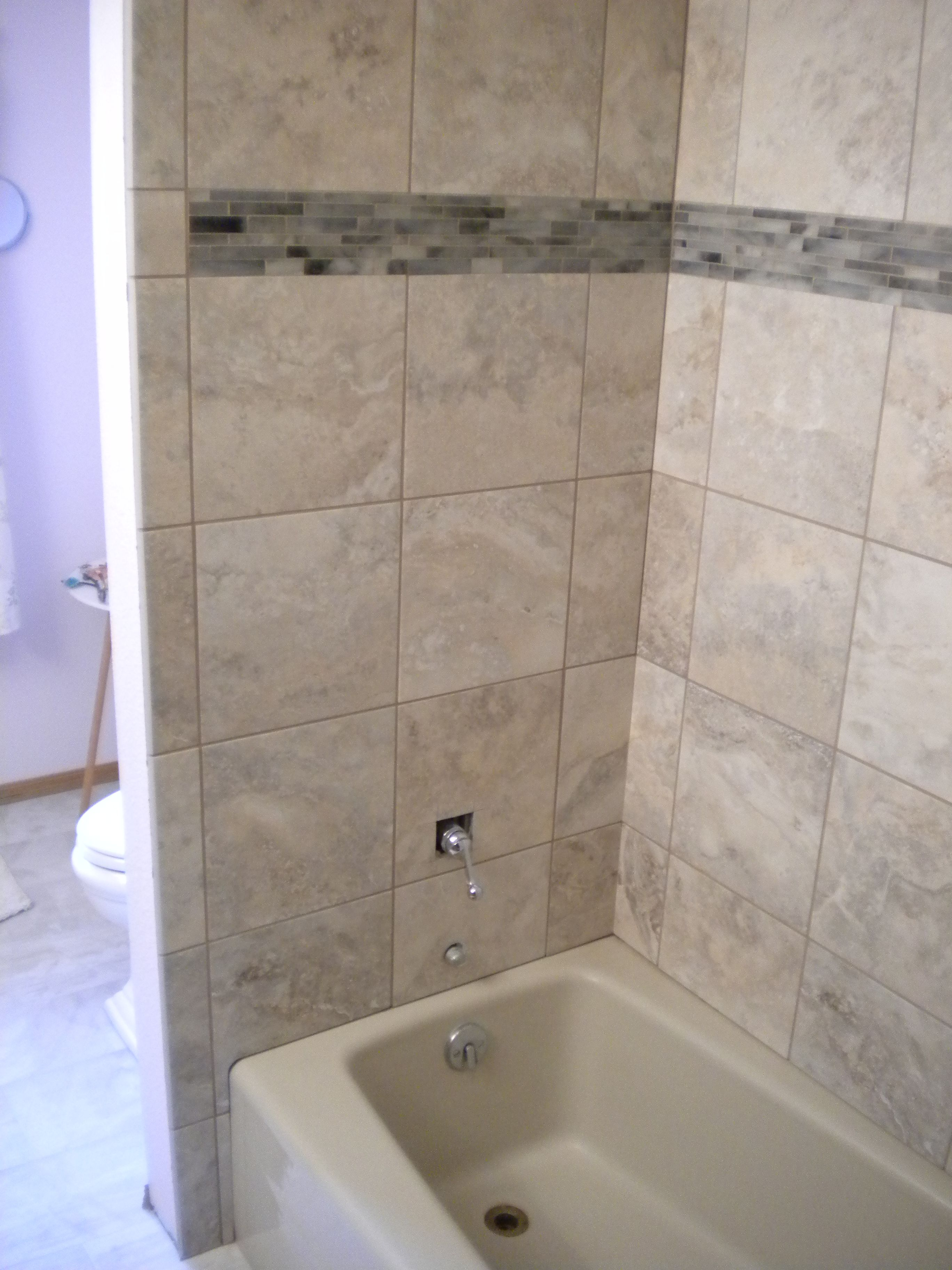 Tub With Tile Surround - Round Designs