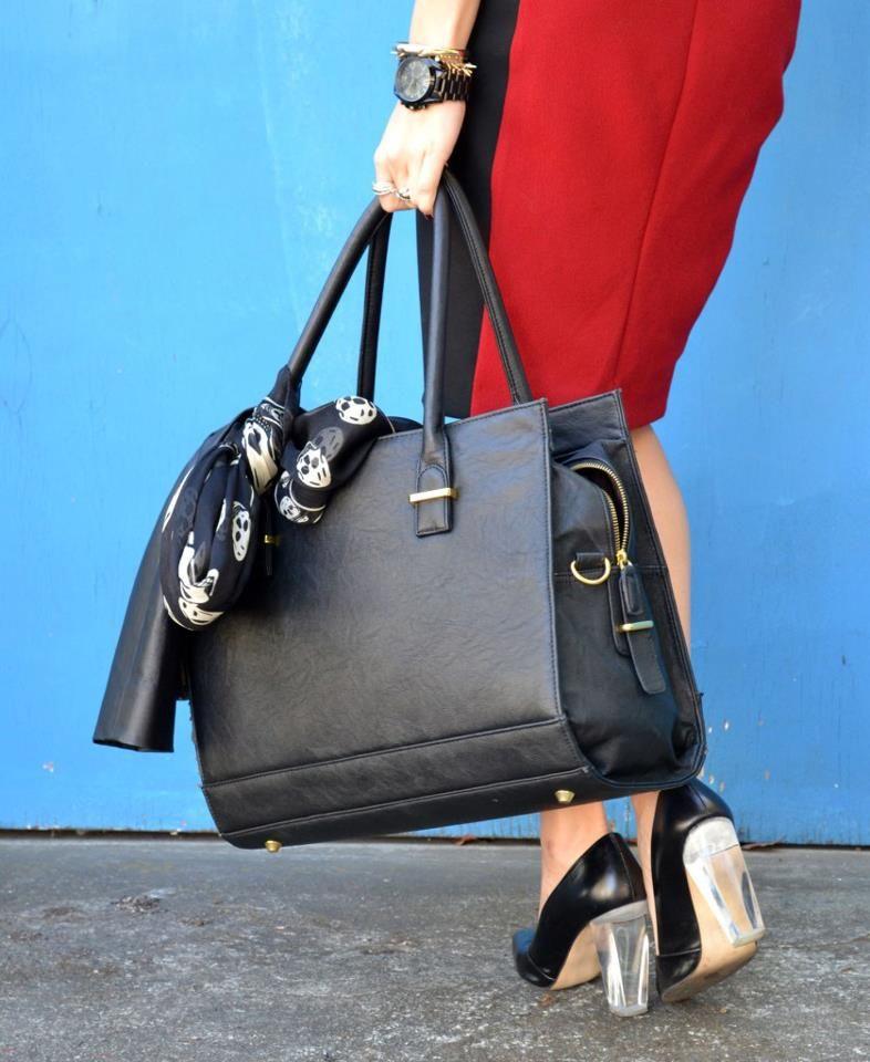 e648a9c9e The GRACESHIP New York laptop bag that keeps women fashionably organized! # laptopbag #women #handbag #purse #travel #business #graceship #fashion ...