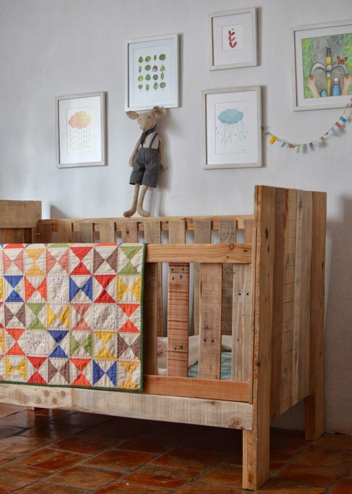 Baby Bedroom Furniture Sets: La Vida Compartida...: Darling Hourglass Quilt