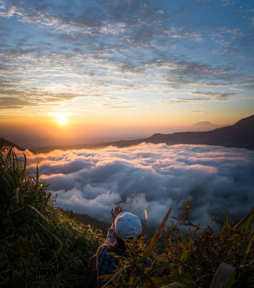 Gambar Mungkin Berisi Awan Langit Gunung Luar Ruangan Dan Alam Andong Instagram Gunung
