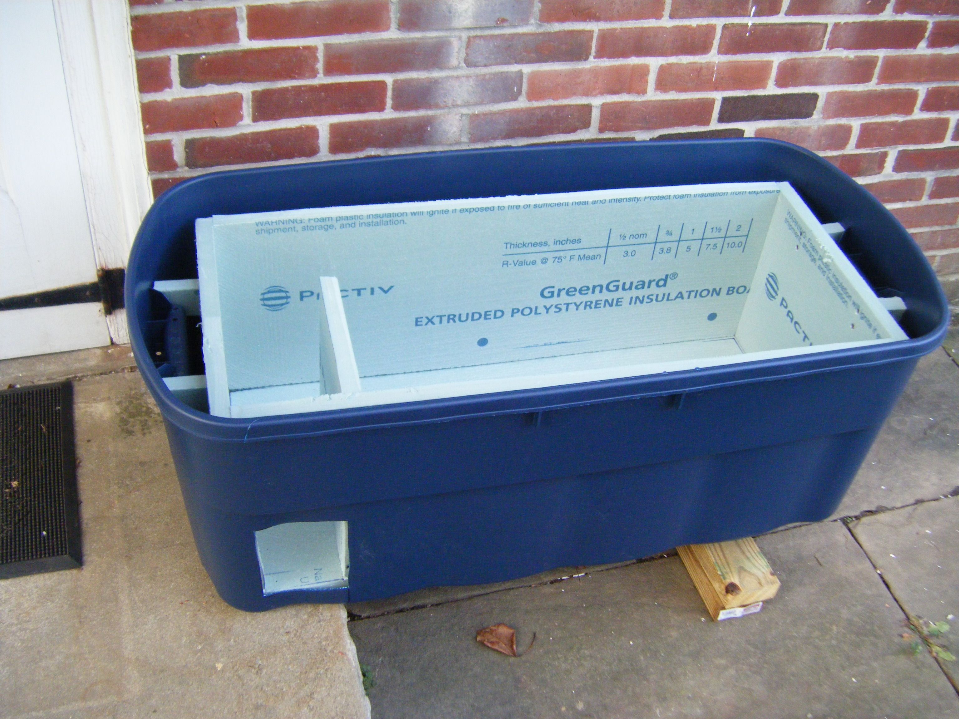 Cat Shelter Using 1 Inch Foam Insulation 2 Inch Drywall Screws And A Plastic Storage Bin Plastic Storage Bins Storage Bins Extruded Polystyrene Insulation